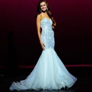 ✨ Sherri Hill Custom White Pageant Gown ✨
